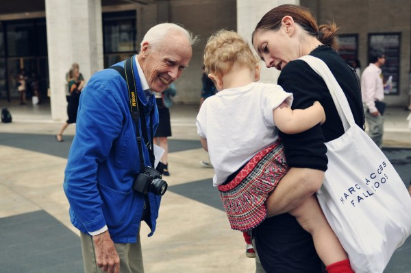 Bill Cunningham at Fashion Week photographed by Jiyang Chen e1468433611907 Bill Cunningham: Un artista grande